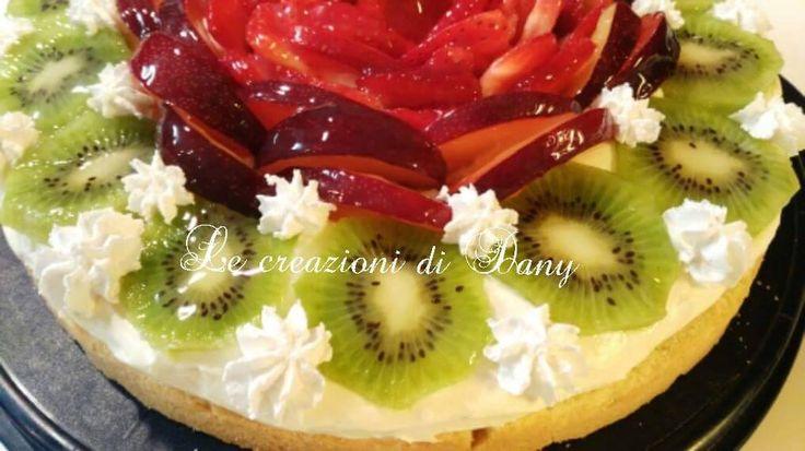 Crostata alla frutta con frolla montata