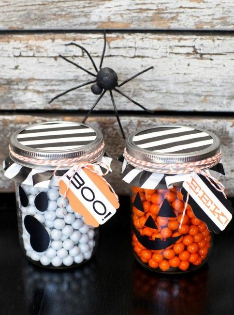 55 + Haloween Crafts including Boo Jars - Great for a kids Halloween party guess how many candy in the jar.