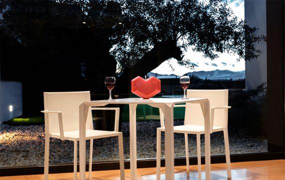 Table Exterieur Pour Restaurant Et Bar Quartz Sledge Table Terrasse Mobilier Design Terrasse