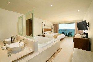 El Sun Palace es un complejo todo incluido, exclusivo para parejas. A poca distancia de lugares de interés turístico en la zona hotelera de Cancun #Cancun #Mexico #Hoteles