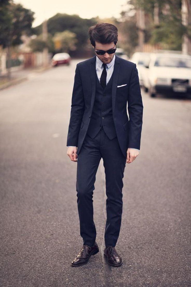 2017 New Fashion Dark Navy Groom Wear Tuxedos Wedding Suits Groomsmen Best Man (Jacket+Pants+vest) Formal Business Suit for Men