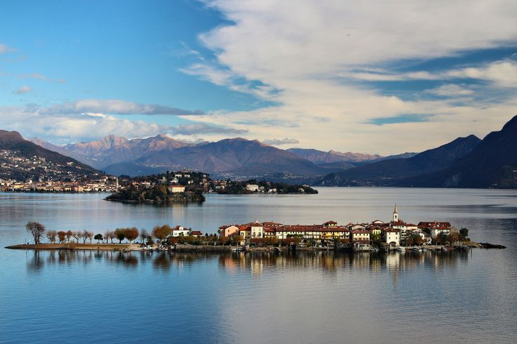 https://flic.kr/p/BnjXiD | Isola dei Pescatori | Isole Borromee | The Borromean Islands (It. Isole Borromee) are a group of three small islands and two islets in the Italian part of Lago Maggiore, located in the western arm of the lake, between Verbania to the north and Stresa to the south. Together totalling just 50 acres (20 hectares) in area, they are a major local tourist attraction for their picturesque setting.  Their name derives from the Borromeo family, which started acquiring them…