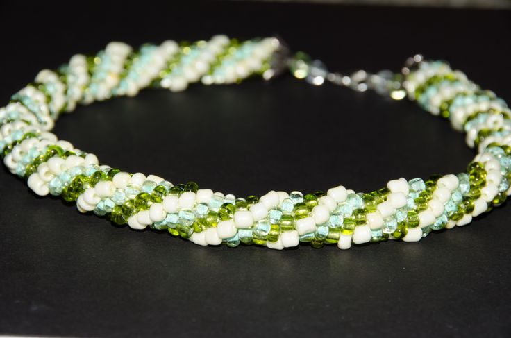 Mint and pistachio ice cream - crochet beading necklace by Colectia de margele  www.colectiademargele.ro