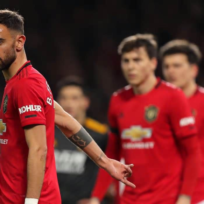 Ryan Giggs Says Bruno Fernandes Could Be A Liability For Manchester United Get The Latest News For Manchesterunited In 2020 Ryan Giggs Manchester United The Unit