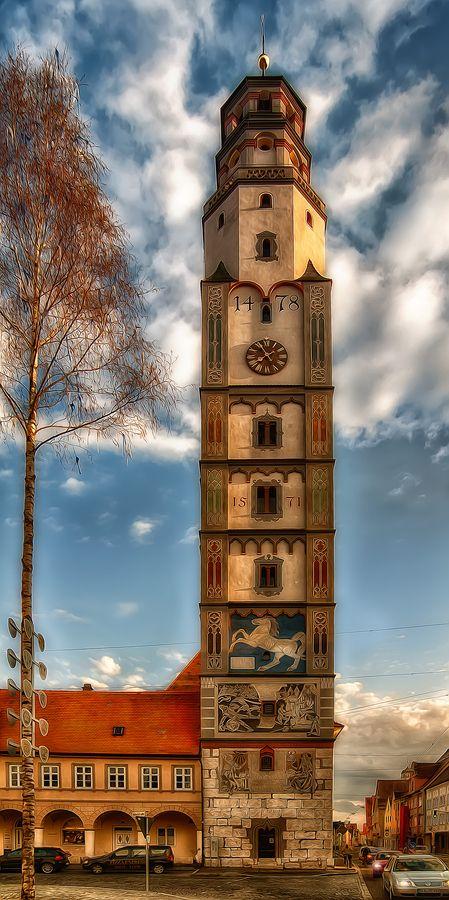 Lauingen, Germany. Der Schimmelturm. Lauingen liegt im schwäbischen Donautal (Region Dillingen), am Rande der Schwäbischen Alb. Lauingen ist Geburtsort von Albertus Magnus, geb. 1200.