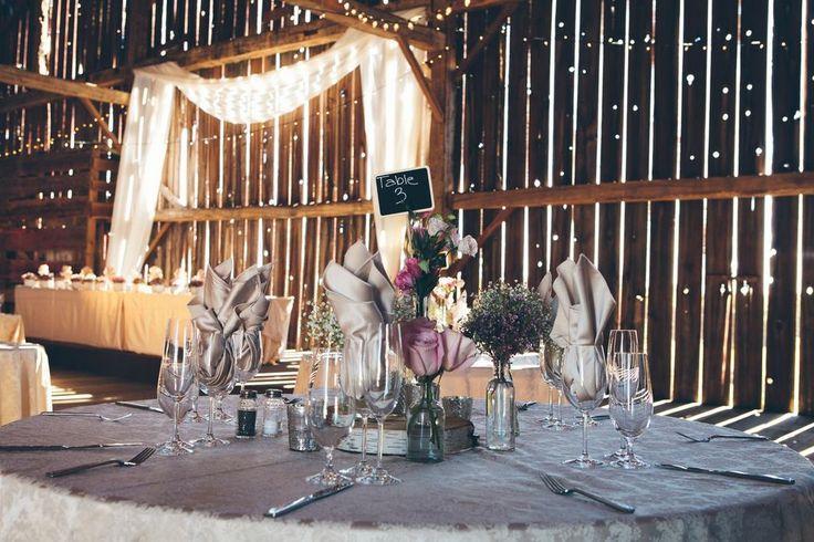 Beautiful head table at Cambium Farms! www.cambiumfarms.com #barnwedding #caledon #cambiumfarms