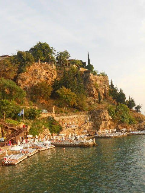Pyynnöstä Arvokas sairas elämäni ja Turkki vatsassa ja mielessä