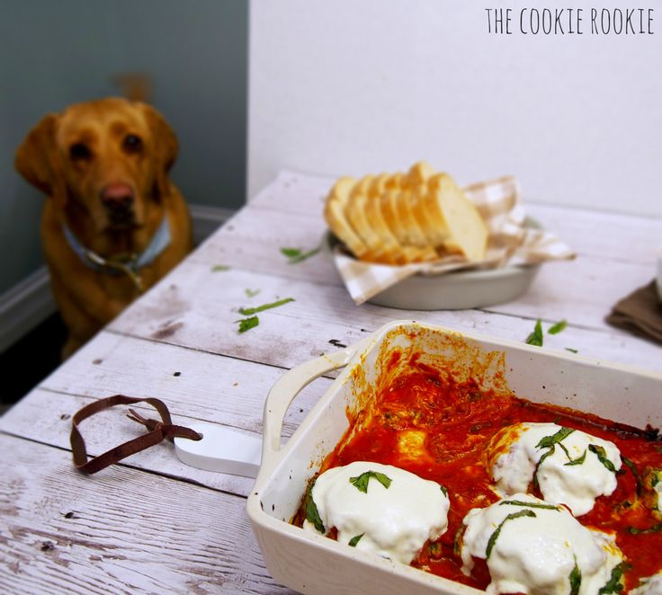 Baked Mozzarella Chicken Rolls, filled with Spinach and Ricotta. AMAZING! - The Cookie Rookie
