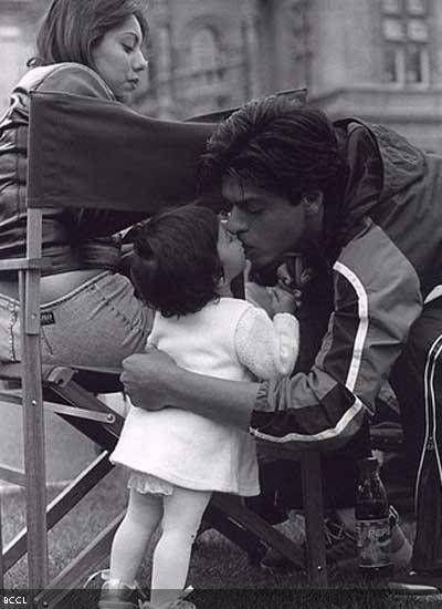 Gauri Khan, Shah Rukh Khan with their daughter Suhana.