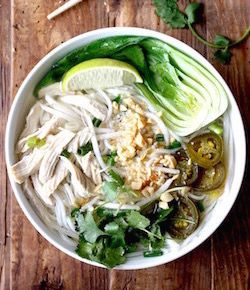 thai rice noodle soup recipe by seasonwithspice.com