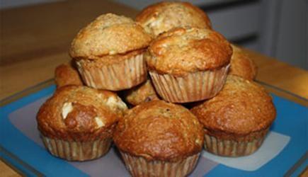 muffins aux pommes au son et au yogourt cuisine. Black Bedroom Furniture Sets. Home Design Ideas