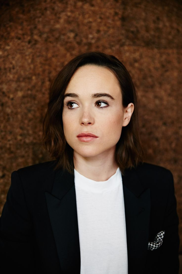 Ellen Page Nude Photos 38