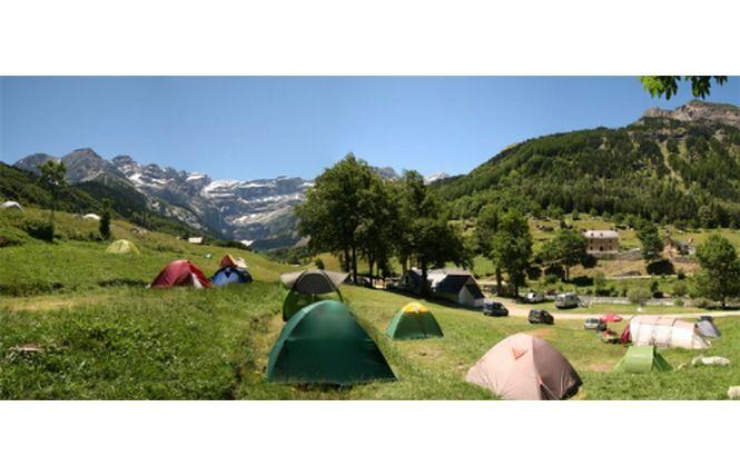 Kamperen in de bergen, wat is er fijner? Vanuit je tent 's ochtends de eerste zonnestralen de bergen zien verlichten, of 's avonds met een glaasje wijn voor je tent genieten van de rust en de ruimte, na overdag een stevige bergwandeling te hebben gemaakt. Veel Nederlanders reizen ieder jaar standaard af naar de Alpen. …