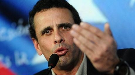 Henrique Capriles Radonski, gobernador del estado Miranda, aseguró que el Consejo Nacional Electoral (CNE) debe dar respuestas sobre la validación de las f