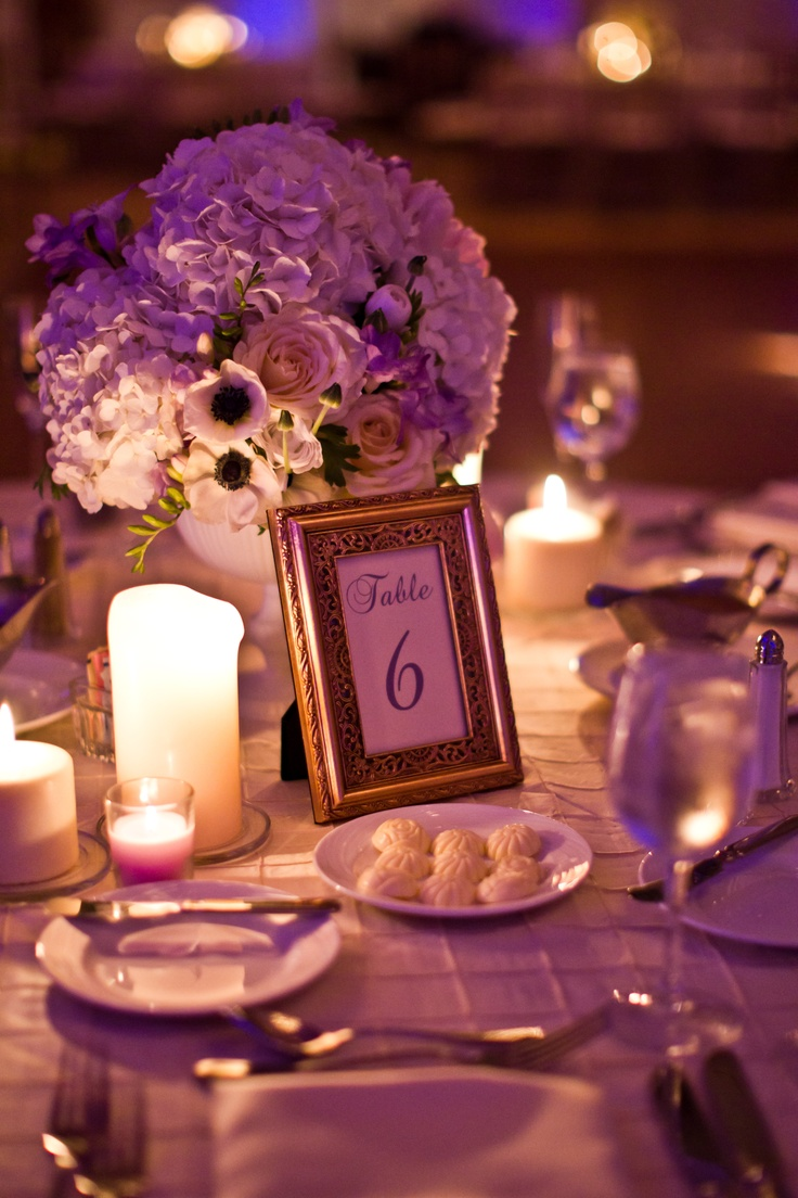 Love The Simple Chic Wedding Centerpiece Photo Credit Oz Wroe Photography