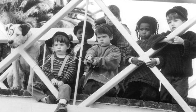 Ross Bagley, Zachary Mabry, Courtland Mead, Petey, Travis Tedford, Jordan Warkol, and Kevin Jamal Woods in The Little Rascals (1994)