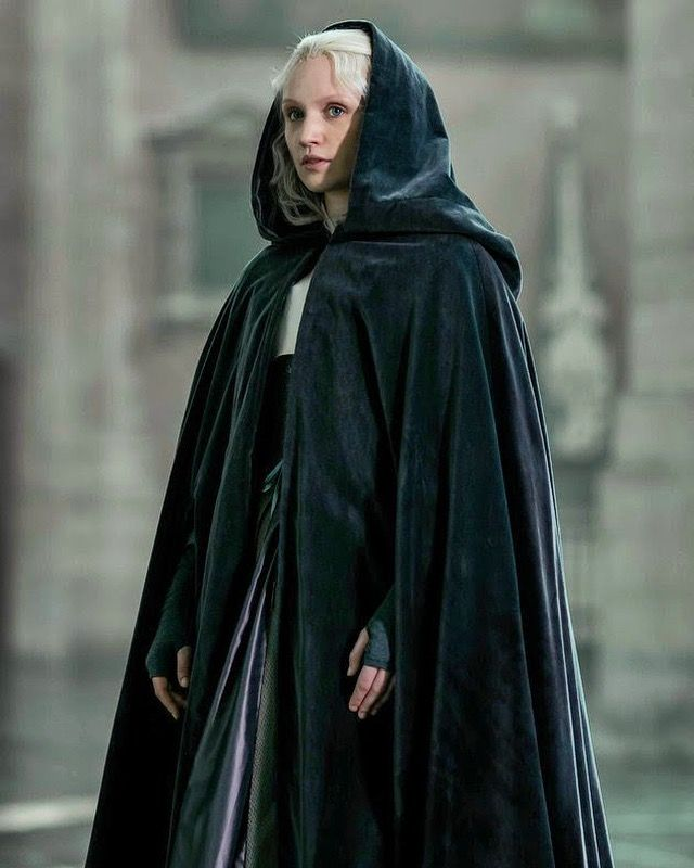 Image of Emily Berrington in The Miniaturist | Fantasy fashion, Historical  dresses, Period costumes