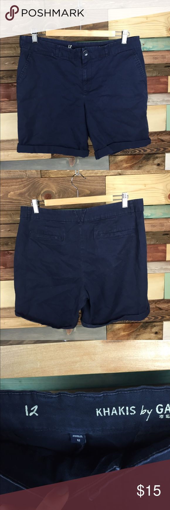 """Gap Navy Bermuda Roll up Shorts - 12 Gap Navy Bermuda Roll up Shorts - 12  Lightly distressed, perfect for vacation! Comfortable &  flattering high rise  Waist (laying flat): 18"""" Inseam: 8"""" Rise: 10""""  #navy #vacation #woodsnap #vacation #summer #shorts #longshorts #bermudashorts #rollupshorts #highriseshorts #highwaistedshorts #longshorts #modest #comfortable #casualchic GAP Shorts"""