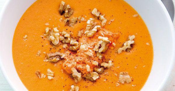 Wenn es mal schnell gehen musst, ist diese Suppe mit Gemüsesaft ganz flott fertig.