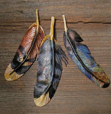 Learn to craft your own leather feathers with Can't Stop Making Things, and use them for decor around the house!