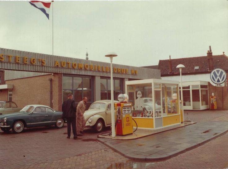 Holland Katwijk VW dealer Kamsteeg. From Oude garages Facebook