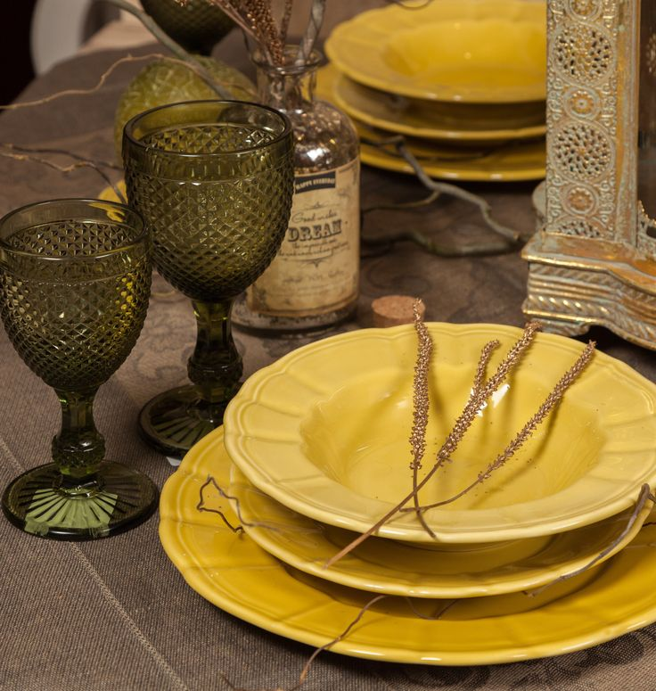 Golden Leaves, Smoke Chalices and Royal Plates.