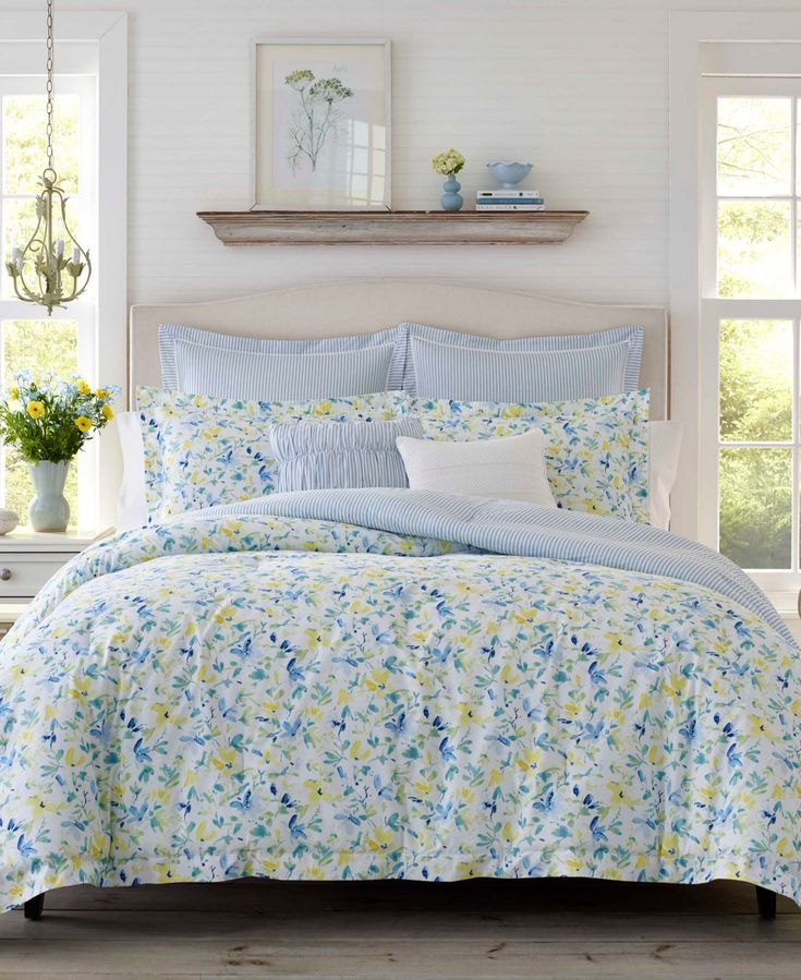 Laura Ashley Nora Sun Blue Comforter Bonus Set, Twin