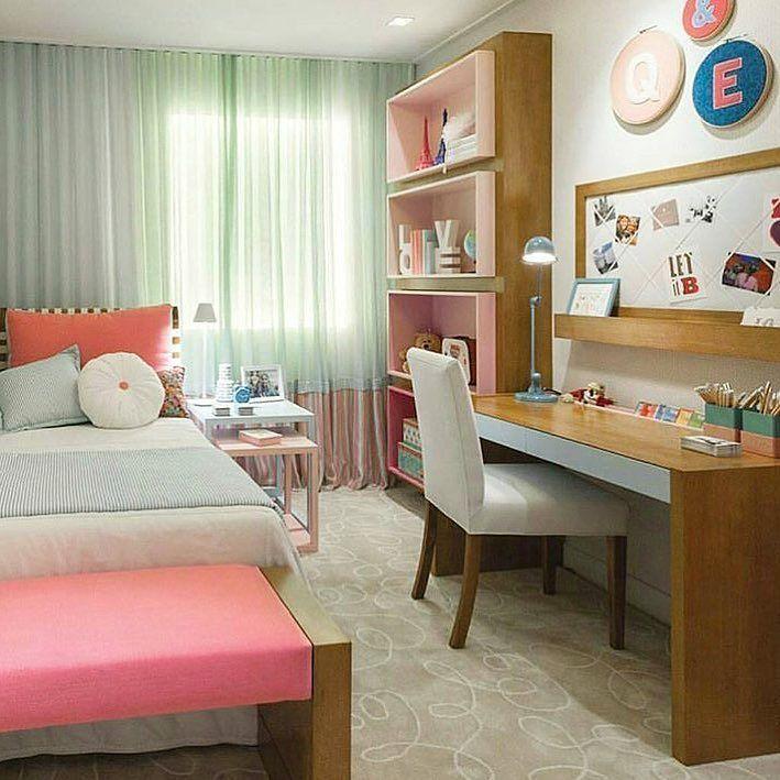 Toque de cor no quarto da garota. Amei Inspiração via @decoremeninas Me encontre também no @pontodecor {HI} Snap:  hi.homeidea  http://www.bloghomeidea.com.br #bloghomeidea #olioliteam #arquitetura #ambiente #archdecor #archdesign #hi #cozinha #homestyle #home #homedecor #pontodecor #homedesign #photooftheday #love #interiordesign #interiores  #picoftheday #decoration #world  #lovedecor #architecture #archlovers #inspiration #project #regram #canalolioli #quartogarota