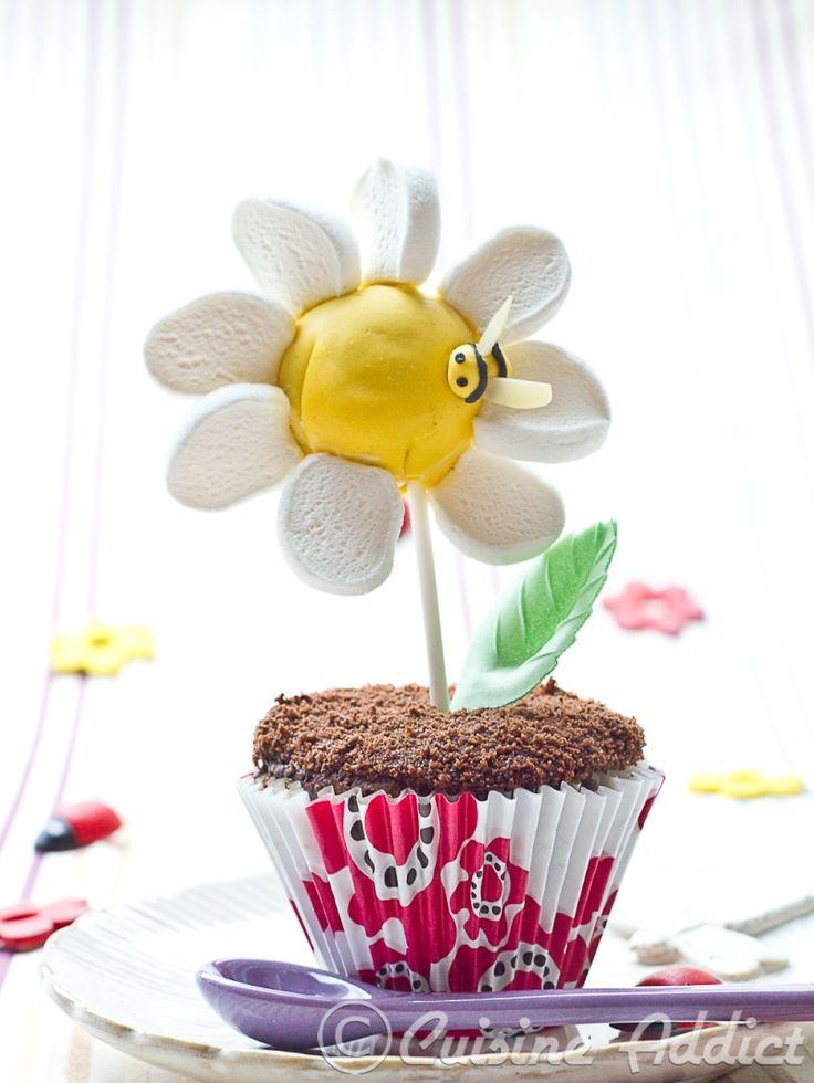 cupcake daisy decoration idea....