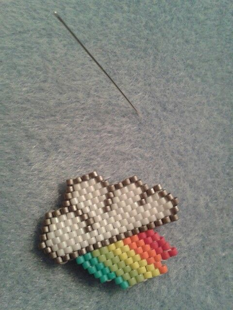 Brick stitch rainbow-cloud #motifmampapaye #mampapaye
