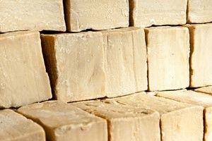 Soap Recipes 101- Gazillion soap recipes available with one-click. ♥