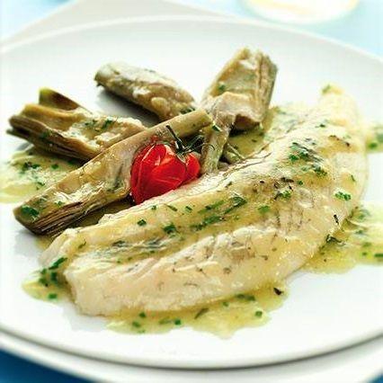 La ricetta del Rombo con Carciofi è molto apprezzata poiché accosta il sapore delicato dei carciofi a quello particolare del pesce.