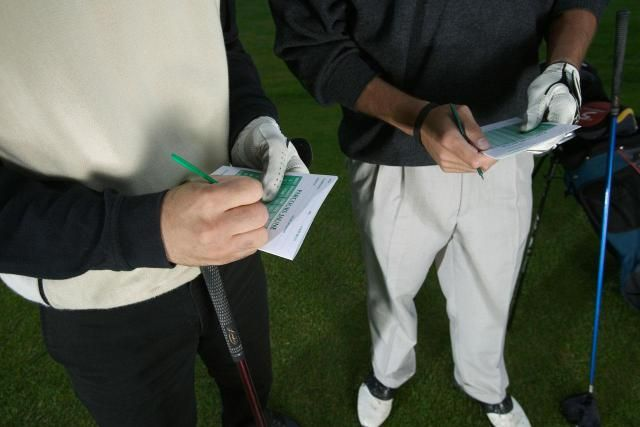 This Golf Handicap FAQ answers frequently asked questions about golf handicaps.