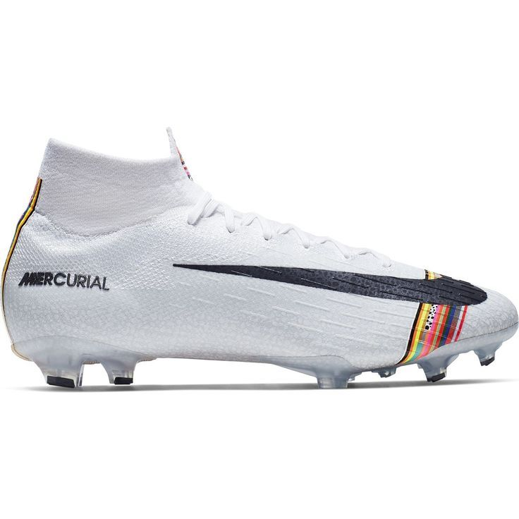 White Nike Soccer Cleats White Soccer Cleats Weisse Nike Fussballschuhe Chaussures De Football Nike In 2020 Custom Soccer Cleats Soccer Cleats Soccer Shoes Indoor