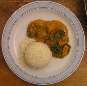 Kurczak curry z cukinią i szpinakiem