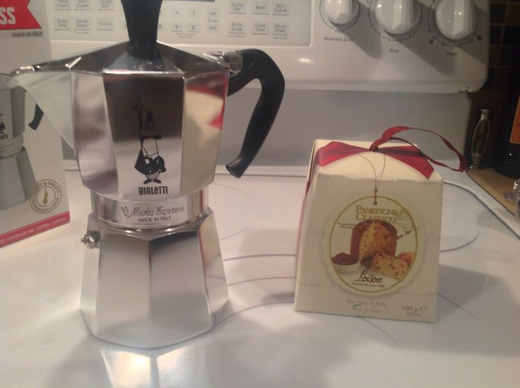 My favorite christmas gift so far. Bialetti and panettone