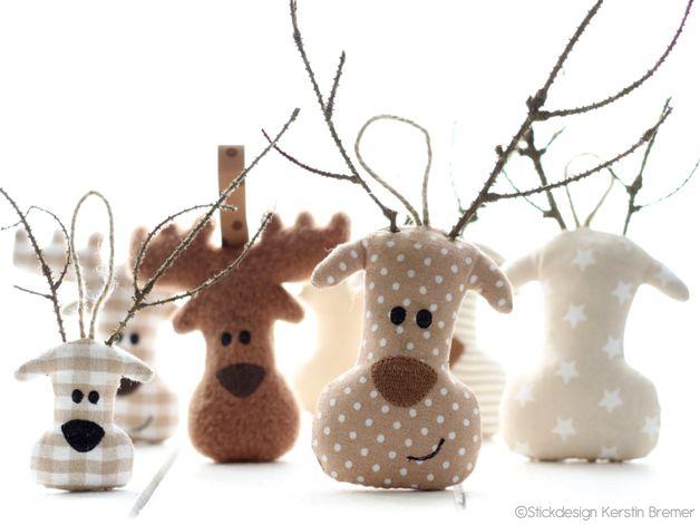 7tlg. Elchkopf ITH Stickdateien Set für den 10x10 Stickrahmen. Entworfen & digitalisiert von Stickdesign Kerstin Bremer / KerstinBremer.de ♥ So cute! moose ith embroidery files for embroidery machines.  #christmas #sticken #weihnachten #diy #deko #landhaus