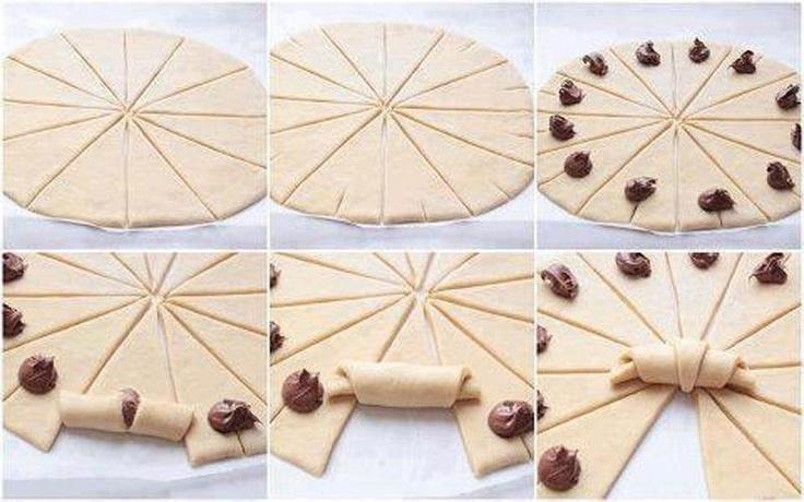 version nutella ou salée:   Étalez une pâte feuilletée sur un plan de travail pour qu'elle ai une forme ronde et une épaisseur de 0.5 cm.  ...Couper la pâte en 12 quartiers.  Au bout de chaque triangle, faites une petite incision. Garnissez.  Enroulez les triangles comme indiqué sur la photo pour obtenir des petits croissants.  Dorez le dessus avec un jaune d'oeuf et cuire au four à 200° pendant 10 à 15 minutes jusqu'à ce qu'ils soient dorés.