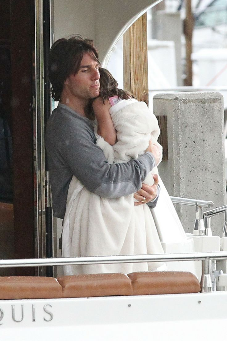 Tom Cruise, Suri Cruise Share Sweet Moments on Father's Day! (Photos)