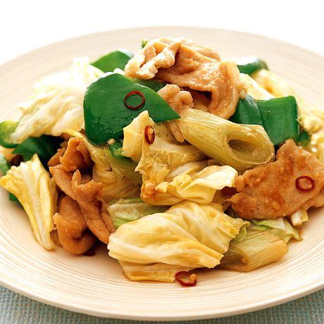 シャキッとした野菜の歯ざわりも◎「回鍋肉(ホイコーロー)」のレシピです。プロの料理家・村田裕子さんによる、豚しょうが焼き用肉、キャベツ、ピーマン、長ねぎ、にんにく、赤とうがらしなどを使った、346Kcalの料理レシピです。