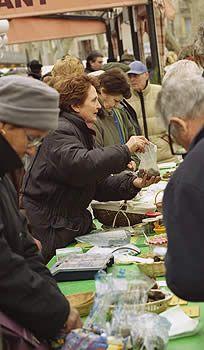 The Carpentras truffle market
