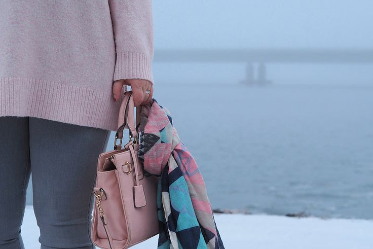 Pitsiniekka | Light Pink Knit Outfit with Miss Selfridges Bag and Becksöndergaard Scarf