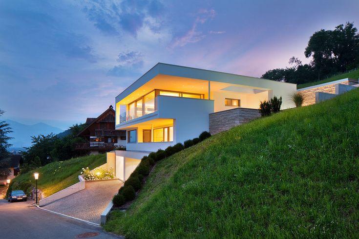 #Einfamilienhaus #Hanghaus #Klaus  modern #Edelstahlpool