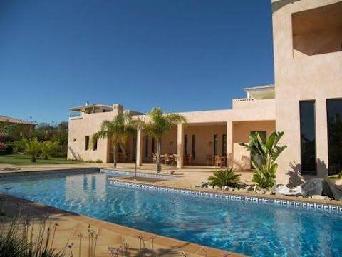 Elegant Villa With 4-Bedroom