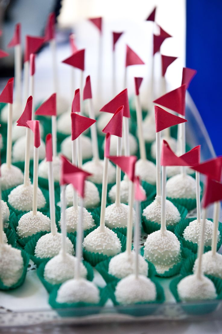 Golf ball cake pops will be a hole in one for Father's Day dessert!