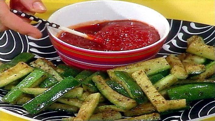 How to make the perfect Mexican courgette oven chips by Rachael Ray on Food Network UK.