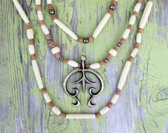 Lange klobige Leder und Perlen Quaste Halskette facettierte