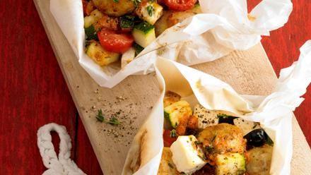 Rezept für Knödel aus der Folie. Jetzt nachkochen und von weiteren Rezepten rund um die Kartoffel inspirieren lassen!