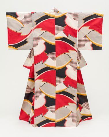 Woman's Kimono with Abstract Design (c.1950) Japan, mid-Shōwa period (1926-89) Silk plain weave, stencil-printed warp and weft (heiyō-gasuri meisen)
