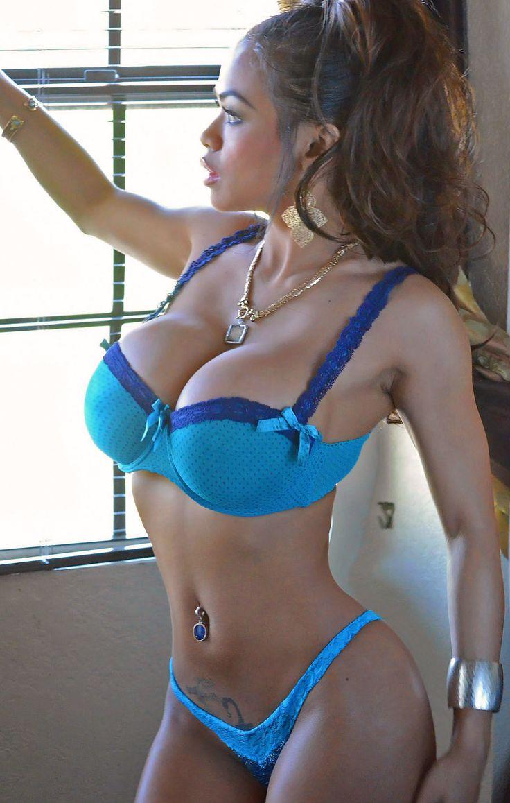 Nena sexy de colombia muestra su blanco cuerpo desnudo - 1 9
